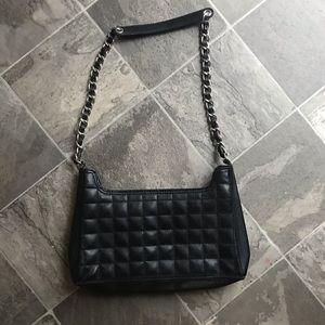 ✨Liz Claiborne Chain Link Quilted Bag✨